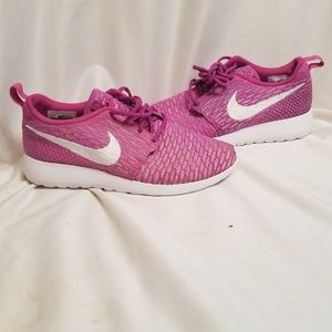 Nike Womens Flyknit Running Trainers size 7
